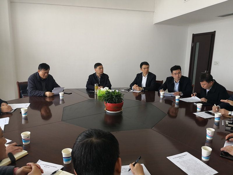 淮安洪泽区委书记朱亚文等领导会见集团董事长周琦一行
